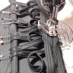 Lenkkien ja alavaran ompelu